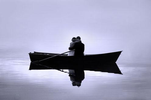 Фото Влюбленные в лодке на воде, фотограф Piotr Braniewski