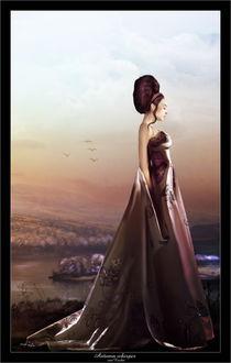 Фото Грустная девушка в вечернем платье на берегу реки на фоне неба