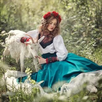 Фото Девушка с козлятами на поляне, фотограф Margarita Kareva