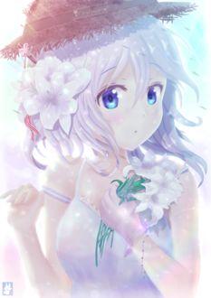 Фото Девушка в шляпке и цветами в волосах держит в руке букетик белых лилий, by Chinchongcha