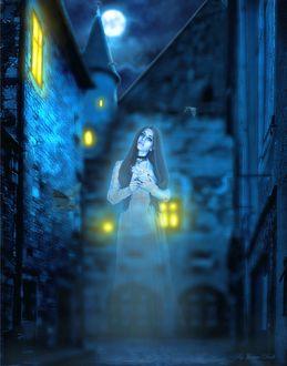 Фото Дух девушки на пустынной ночной улице города под полной Луной, Lonely ghost / Одинокий дух, by Jeanne Dark