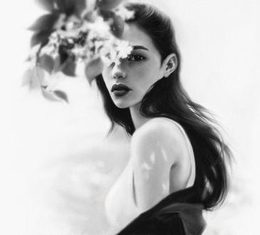 Фото Девушка стоит за цветком, by Jane Nane