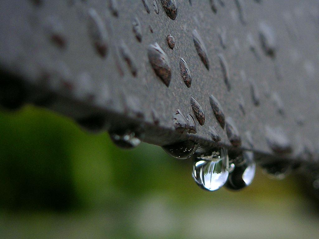 фото дождь по крыше воспоминаниям