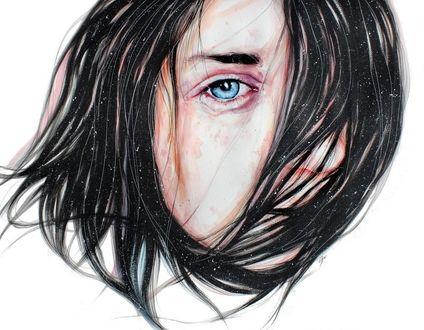 Фото Голубоглазая девушка с закрытой волосами частью лица, by KlarEm