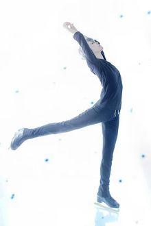Фото Косплей Viktor Nikiforov / Виктор Никифоров из аниме Yuri! On Ice / Юрий на льду