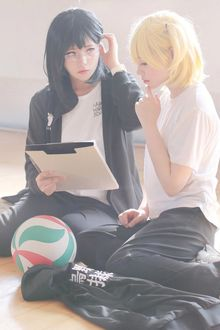 Фото Косплей Shimizu Kiyoko / Шимизу Киеко и Hitoka Yachi / Хитока Ячи из аниме Haikyuu!/Волейбол!