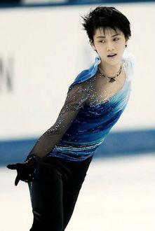 Фото Ханю Юдзуру / Hanyu Yuzuru - японский фигурист, олимпийский чемпион, во время выступления