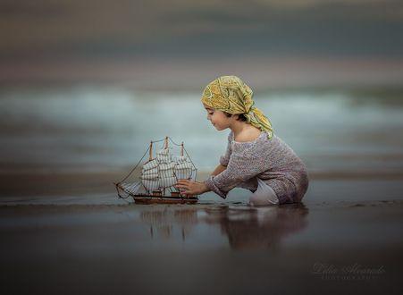 Фото Девочка с корабликом, фотограф Lilia Alvarado