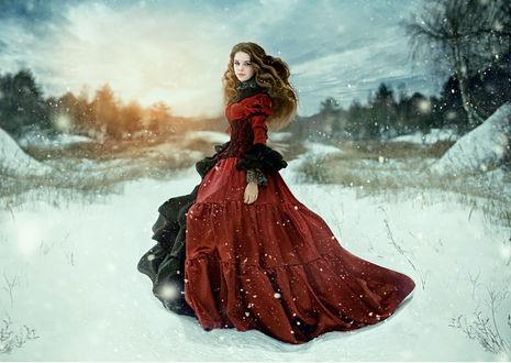 Фото Девушка в длинном наряде стоит на снегу, фотограф Никеева Ирина