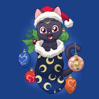 Фото Радостная кошка Luna / Луна из аниме Sailor Moon / Сейлор Мун сидит в Рождественском носке с елочными игрушками со знаками сейлоров