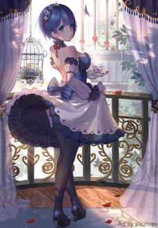 Фото Рем / Rem из аниме Re: Жизнь в альтернативном мире с нуля / Re: Zero kara Hajimeru Isekai Seikatsu с чашечкой чая на блюдце стоит на балконе, by Gtunver