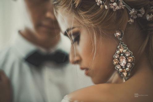 Фото Невеста отвернулась и опустила глаза перед женихом, фотограф Dan Hecho