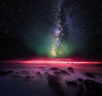 Фото Млечный путь над туманным побережьем, фотограф Tarun Kottary