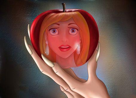 Фото Ведьма держит в когтистой руке отравленное яблоко, в котором отражается испуганное лицо принцессы, by FERNL