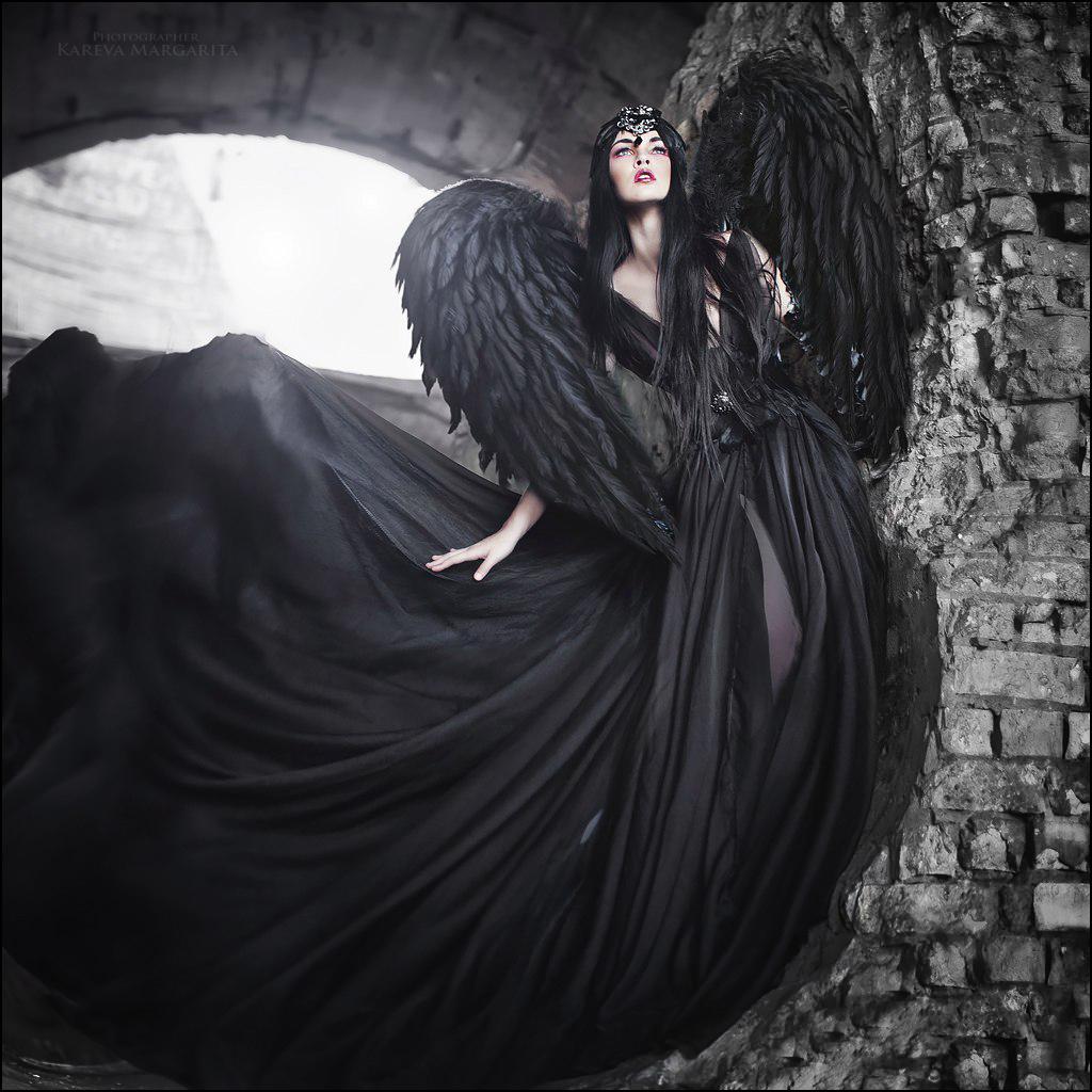 фото и картинки черного ангела первом
