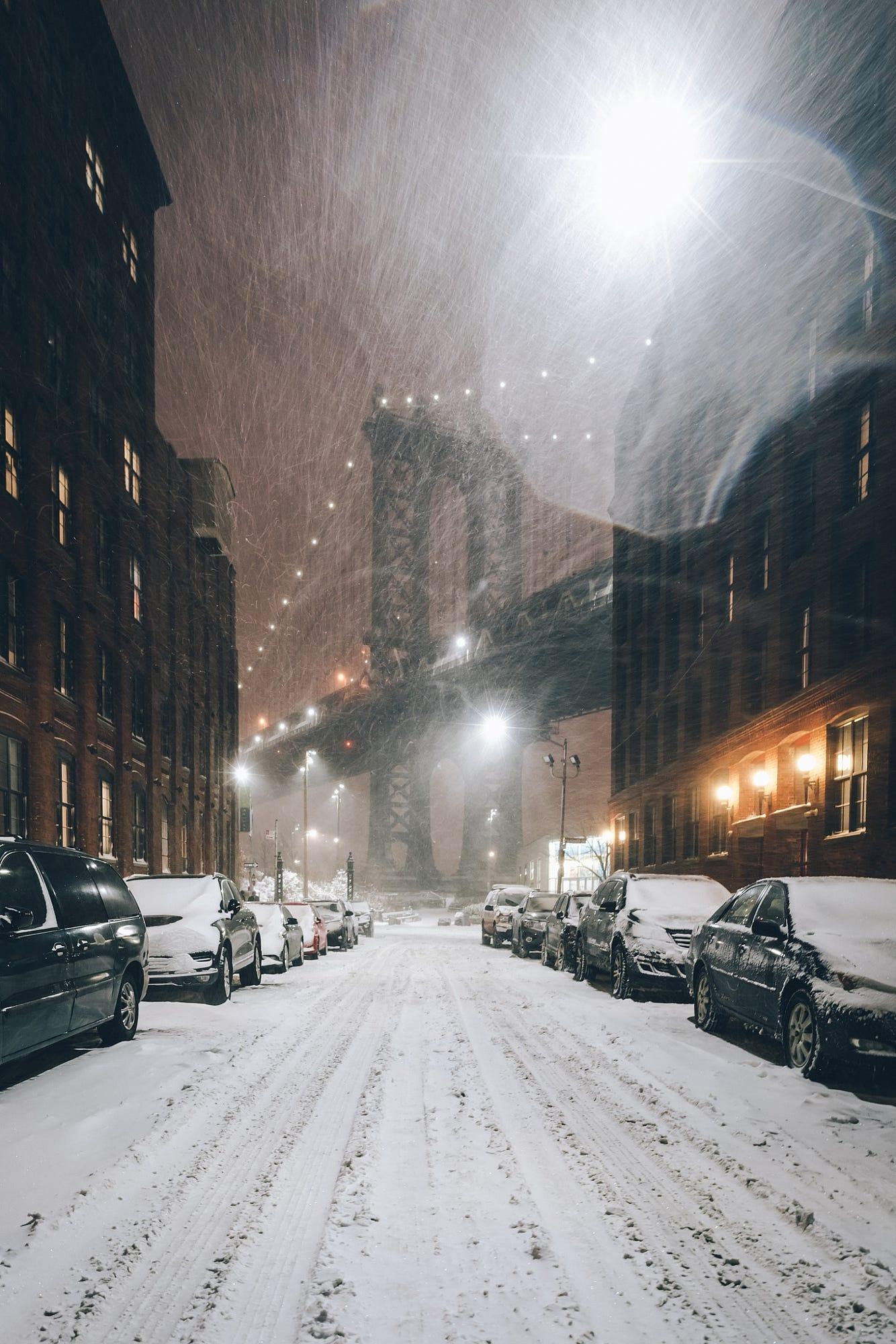 Фото Вид на Manhattan Bridge / Манхэттенский мост во время снежной бури, by A Frenchman In NY