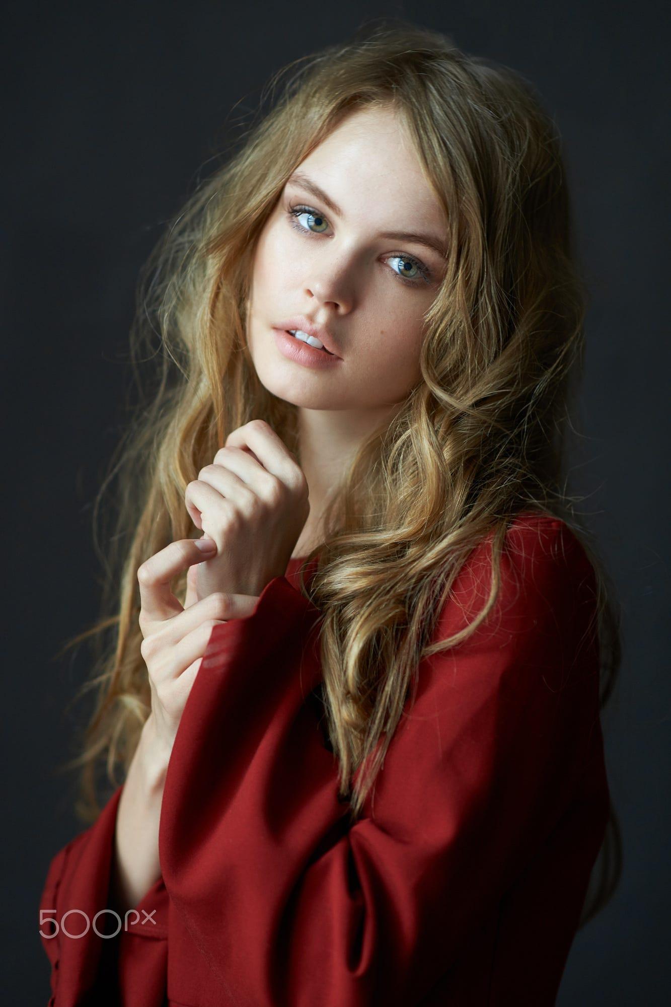 Anastasia Alexander Nude Photos 19