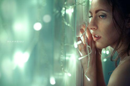 Фото Девушка грустит у окна, by silvia-giuli