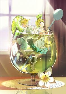 Фото Вокалоиды Рин и Лен Кагамине / Vocaloids Rin & Len Kagamine в фужере с мохито, by 兎々