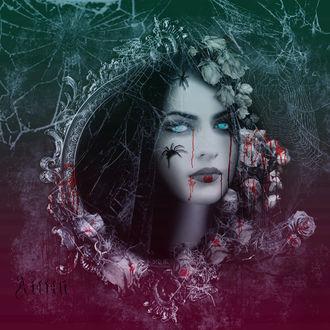 Фото Ведьма в каплях крови, выглядывает из старинной рамки, прорывая паутину, по лицу бегут пауки