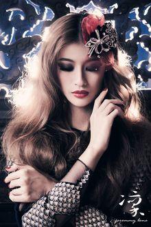 Фото Девушка с украшением на волосах, фотограф 宇凡 鄭