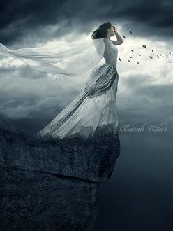 Фото Девушка стоит на краю скалы, by BurakUlker