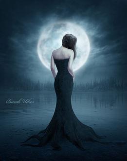 Фото Девушка стоит на фоне полной луны, by BurakUlker