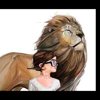 Фото Гордый лев и рядом девочка в очках / by McKenzie Фиск /