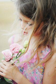 Фото Девочка с цветами, фотограф Роман Крамской