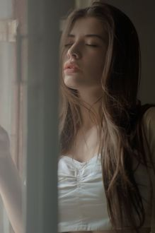 Фото Девушка с закрытыми глазами, фотограф Роман Крамской