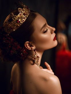 Фото Девушка в короне на голове, фотограф Александр Буц