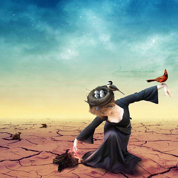 Фото Девушка с гнездом на голове держит на одной руке птицу, другой рукой оживляет мертвую птицу магией, by Jasmin Junger