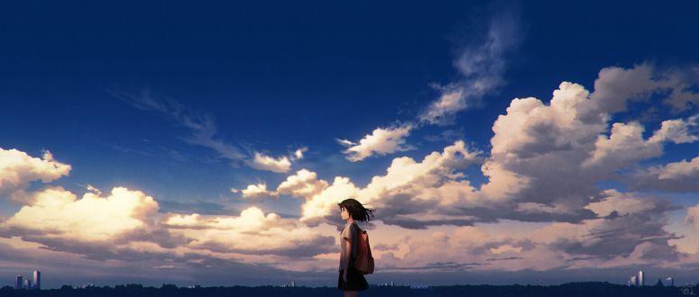 Фото Девушка в школьной форме на фоне облачного неба, by mocha
