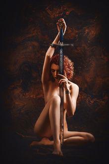 Фото Обнаженная девушка с мечом, фотограф Ruslan Bolgov / Руслан Болгов