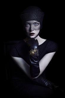 Фото Девушка в перчатках и головном уборе с вуалью, by xBassxHarmingx