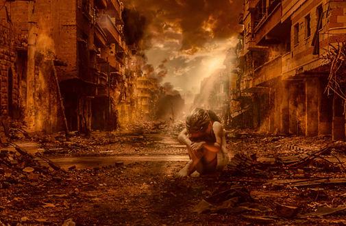 Фото Работа Peace and War / мир и война, девочка сидит среди разрушенных домов, by HILIF