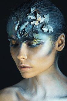 Фото Девушка с бабочками на волосах, фотограф Sergey SHELUHIN