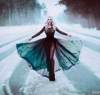 Фото Девушка стоит на снегу, фотограф Светлана Беляева