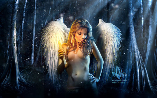 Фото Девушка-ангел со свечой в руке, by DigitalDean