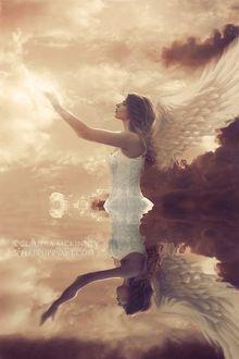 Фото Девушка белокрылый ангел стоит в воде, протягивая руки с магией, by Claudia McKinney