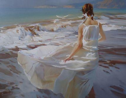 Фото Рыжеволосая девушка с косичками, в белом платье стоит на морском побережье. Экспрессивная романтика. Художник Алексей Чернигин