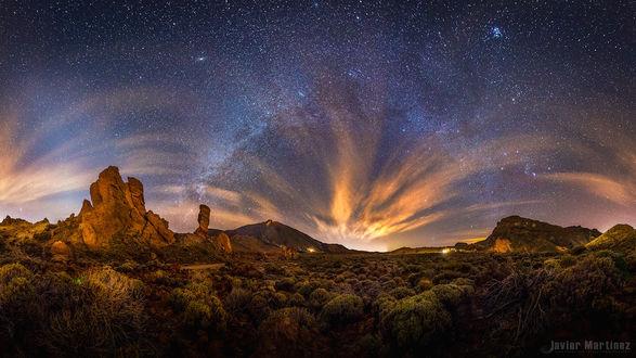 Фото Млечный путь звезд над вулканом Вулкан Тейде на Тенерифе на Канарских островах, by Javier Martinez (© Margo Fly), добавлено: 25.02.2017 03:58