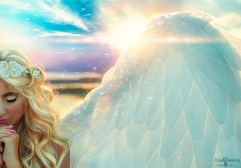 Фото Девушка-ангел на фоне голубого облачного неба, by AIvett