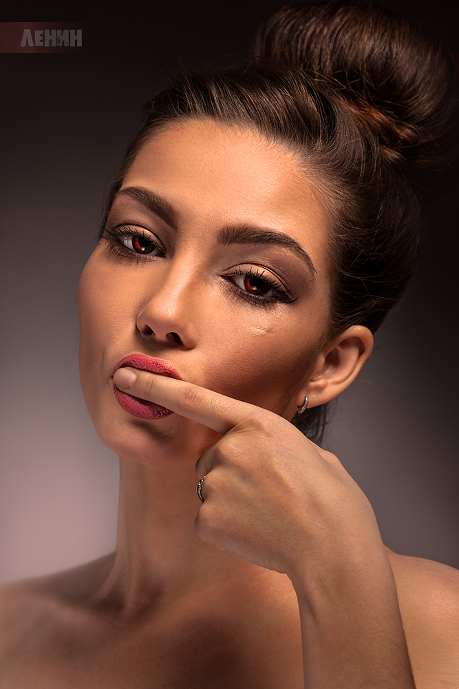 Фото Портрет модели Ксюши Егоровой с красными глазами ...: http://photo.99px.ru/photos/271444/