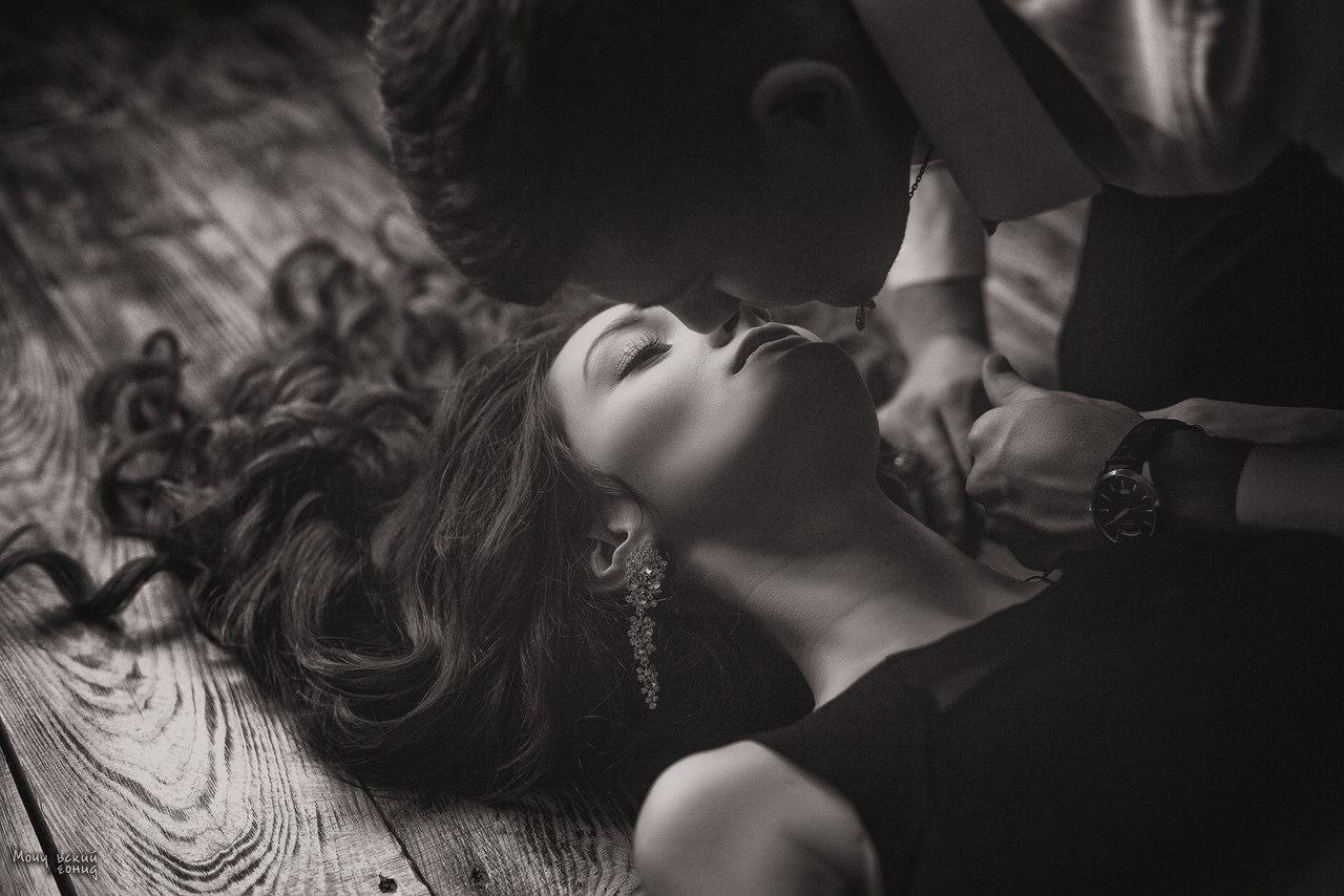 Фото Парень готов поцеловать девушку, фотограф Мочульский Леонид