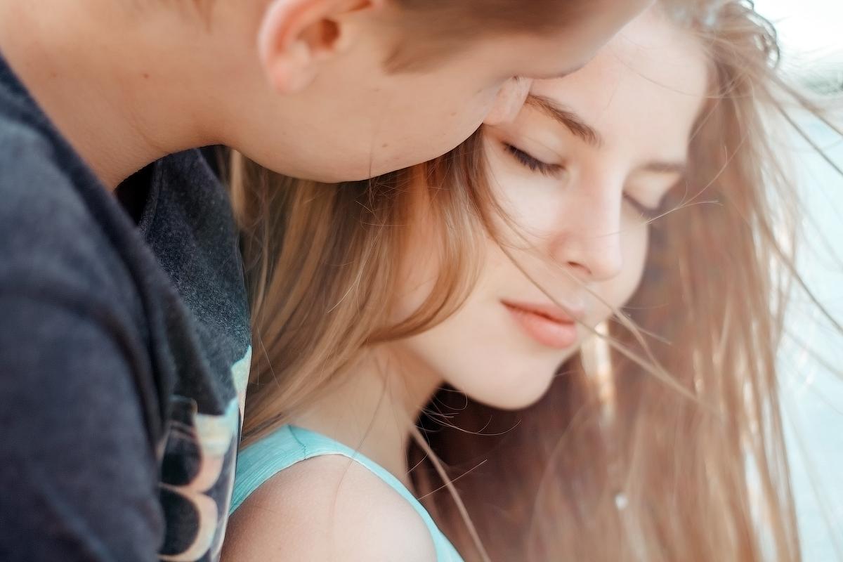 Фото Парень целует девушку, by Alina Lyubko