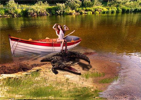 Фото Девушка проснувшись в лодке, подтягивается поставив ноги на рядом лежащего кракодила