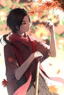 Фото Kashuu Kiyomitsu / Кашуу Киемицу смотрит на осенний лист из игры Touken Ranbu / Танец мечей, art by Itohana