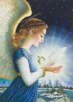 Фото Девушка - ангел с голубем в руках