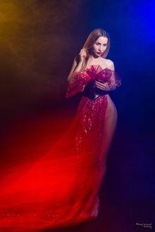 Фото Девушка в красном, фотограф Мочульский Леонид